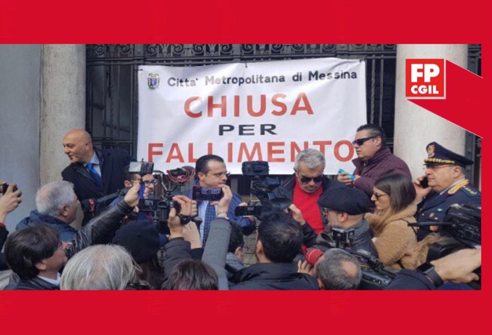 """Città Metropolitana, FP CGIL a """"muso duro"""" contro la protesta inscenata oggi dal sindaco: «Il dissesto rappresenterebbe la fine dell'ente»"""